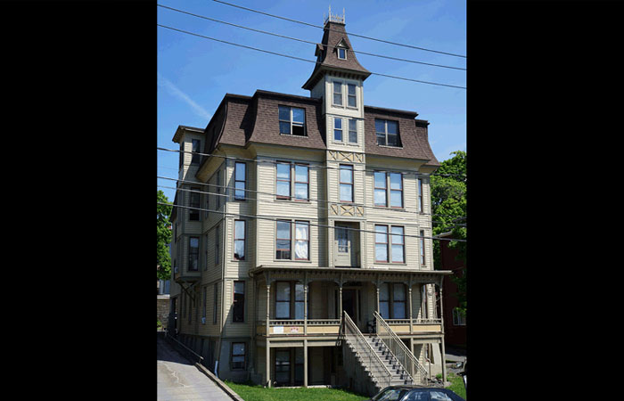 209 College Ave Ithaca, NY 14850